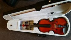 Practice violin 3/4, including case, bow and rosin