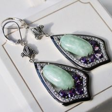 Sterling silver earrings with large Jade approx. 16,6x9,3mm and small navette cut Amethyste stones.