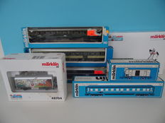 Märklin H0 - 4127/4130/4141/4152/4695/48610/48704 – Various freight- and passenger carriages