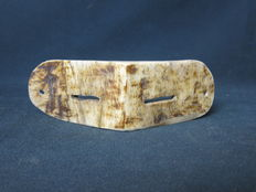 Snow goggles beautifully carved in animal bone - INUIT - Canada