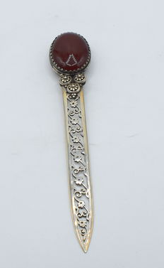 Solid silver letter opener with naturally cornelian stone, international hallmarked 900