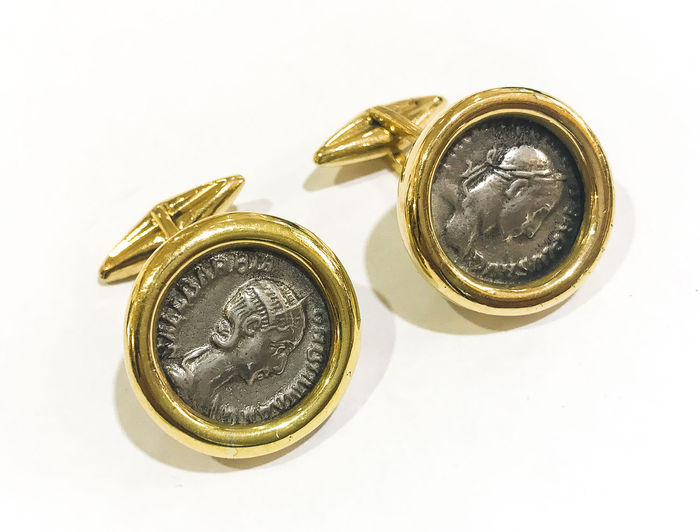 Gold cufflinks with authentic Roman coins: Roman Denari from the 2nd century A.D.
