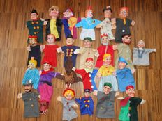 Brand unknown - 25 old hand puppets / puppet dolls