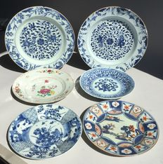 Six porcelain plates – China – 18th century