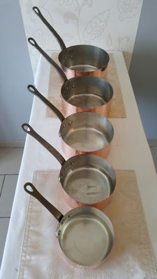 Five culinary saucepans in full tinned copper, stamped Fabrication Francaise and copper from Faucogney, Made in FRANCE,1960s/70s