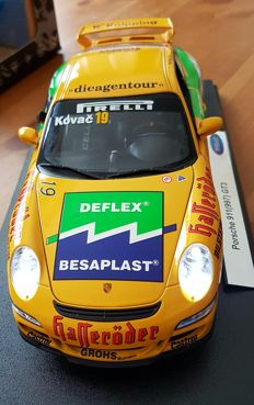 Welly-Code 3 - Scale 1/18 - Porsche 911 (997) GTR with Lighting, Tyres and Decal Tuning