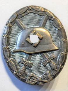 1933-1945 3rd Reich, Badge Awarded to a Wounded Soldier 1939 in Silver