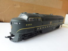"Walthers H0 - 23989 - ""Proto 1000"" diesel locomotive ""C-Liner"" of the Pennsylvania"