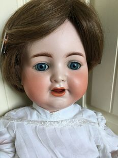 Beautiful large antique doll Simon & Halbig Kämmer & Reinhardt 126