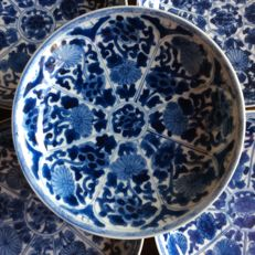 Blue and white dishes – China – late 17th century