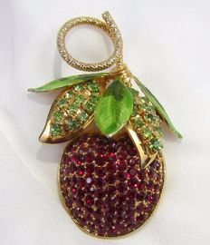 Hobe vintage cherry fruit brooch New York 1950-1955