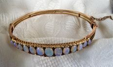 Rare Antique 9ct  gold bangle with Opals