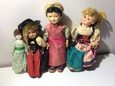 Lot with 8 dolls - various sizes - various years