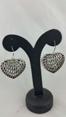 Heart-shaped earrings with perforations, 900 silver - India