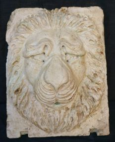Rubbio marble fountain mouth - Lion's head in high-relief - Italy, Venice - late 18th century