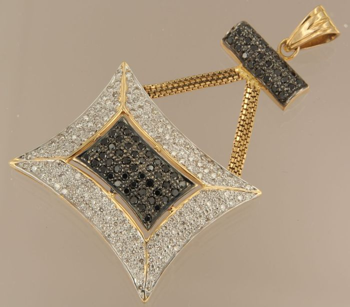 18 kt bi-colour gold pendant set with white and black diamonds, approx. 3.00 carat in total, pendant size 6.1 x 3.6 cm