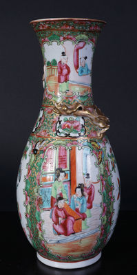 Porcelain Canton painted vase – China – late 19th century