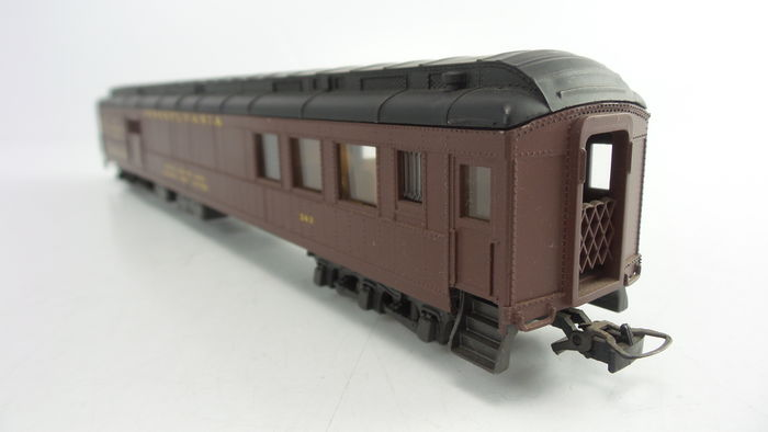 rivarossi h0 2723 5 passenger carriages partly with interior lighting of the pullman. Black Bedroom Furniture Sets. Home Design Ideas
