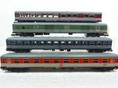 Minitrix N - 3090/3091/15851-3 - set of 4x pop colour carriages of the DB