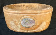 Yellow Siena marble oval stoup with Jasper inlay - Italy, Florence - 19th century