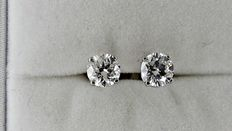 1.20 ct round diamond stud earrings 14 kt white gold