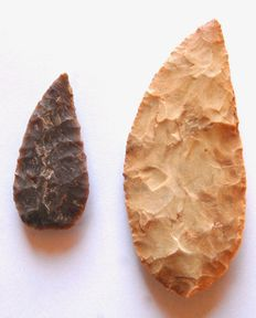 Two Neolithic knives - 55-96 mm