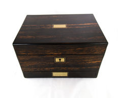 Lund London: a fine brass mounted coromandel vanity box - containers with silver covers - England - circa 1840