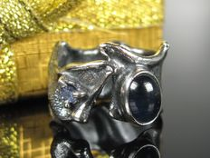 Unique silver designer ring with sapphire and tanzanite from the 1970s