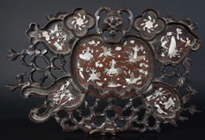 Very beautiful antique Chinese wooden plateau with mother of pearl inlay - China - 19th century