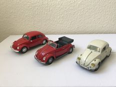 Franklin Mint / Maisto - Scale 1/24 - VW Beetle Coupe 1967, VW Beetle 1967 Convertible & VW Beetle 1972 Coupe