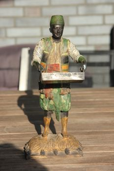 Bronze masterpiece - finely detailed 'colonial' style, from the United Kingdom, mid-20th century