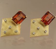 14k yellow gold ear studs set with an emerald cut citrine and 8 single cut diamonds, in total approximately 0.20 carats **** NO RESERVE PRICE ***