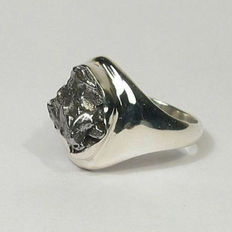 Ring with meteorite - Campo del Cielo - 14.4 x 10.8 mm