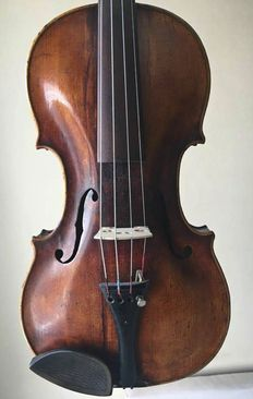 Very nice old antique violin with italian label