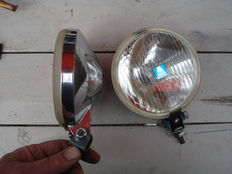 Two nice RALLY spotlights of the BRAND HELLA and the TYPE 140 with chromed housing from the 1970s and 1980s.