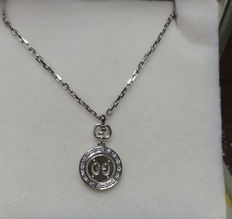 Gucci necklace 'Icon Twirl' in 18 kt white gold with diamonds totalling 0.06 ct - Length 40 cm