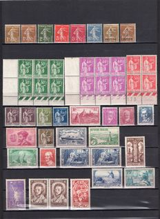 France 1932/1936 - Selection of values and blocks and dated corners (74 values) - Yvert no. 277A/333