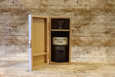 Highland Park 25 YO in deluxe wooden case - very special