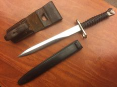 Original Swiss bayonet with original leather holder for on the belt.