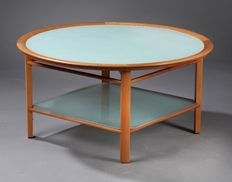 Giorgetti – designer coffee table.