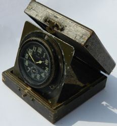 Military Wooden Box Travelling Bezel Wind Clock circa 1945