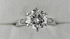 2.01 ct  round diamond ring made of 14 kt white gold - size 6