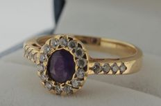 Yellow gold ring of 14 kt with amethyst and zirconia – Ring size 18