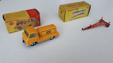 Dinky Toys - Schaal 1/43 - Atlas Copco Compressor No.436 en Healey Boat trailer No.796