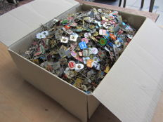 Large collection of 6 kg worth of pins. These are between 7300-7500 pins