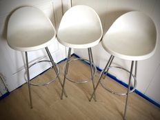 "Roberto Foschia for MIDJ – 3 ""egg"" bar stools – well marked."