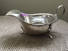 Silver sauce boat, Sheffield 1932 E. Viner