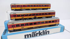 Märklin H0 - 4262/42657 - Three Benelux carriages of the NS including a bicycle carriage