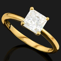 14KT gold ring set with a total 0.80ct of created moissanites  - ring size US 7