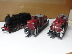 Roco H0 - 3 shunting locomotives: 1 steam locomotive BR80 and 2 diesel locomotives V60 of the DB, Era III and IV